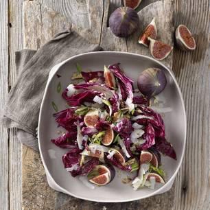Radicchio-Salat mit Feigen und Pekanüssen