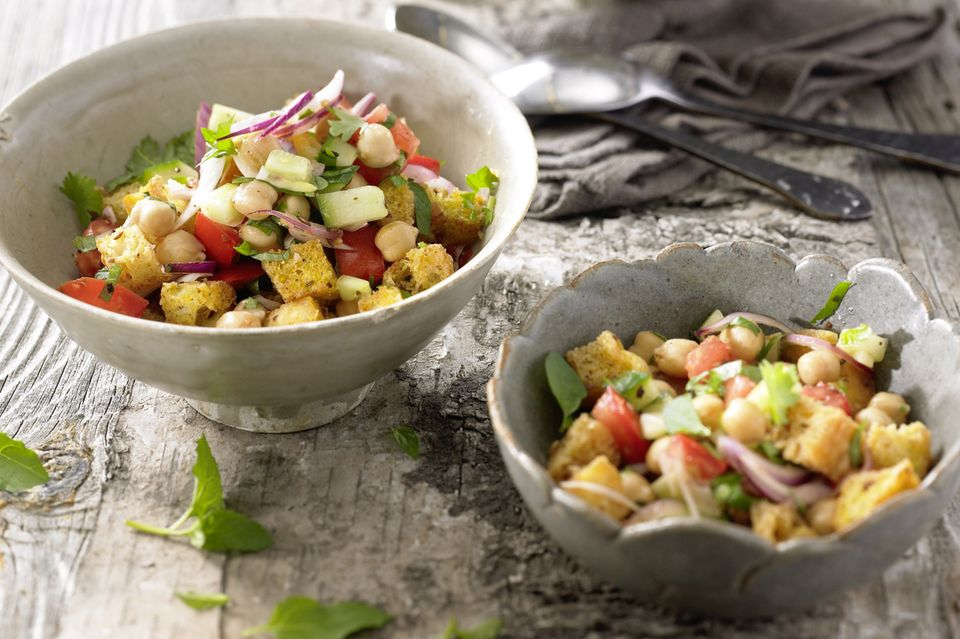 Kichererbsen-Brot-Salat