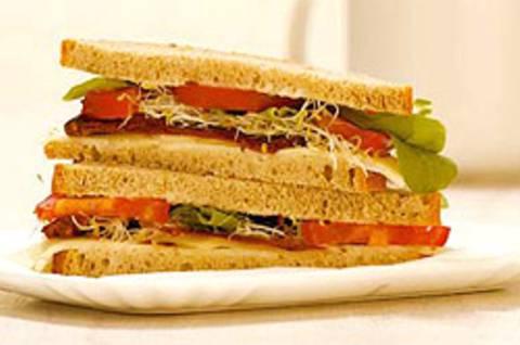 Sprossen-Käse-Sandwich