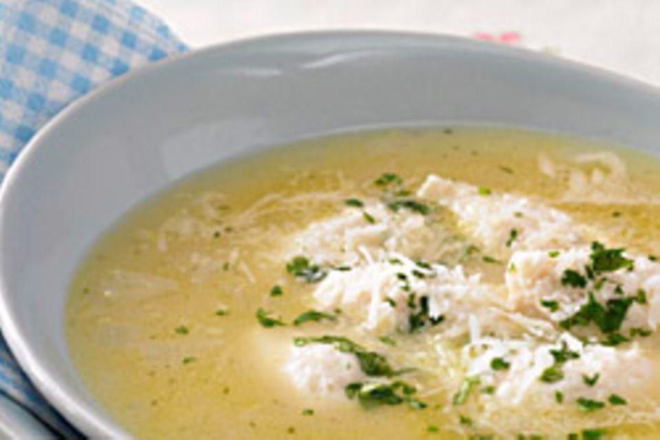 Hühnerklößchensuppe