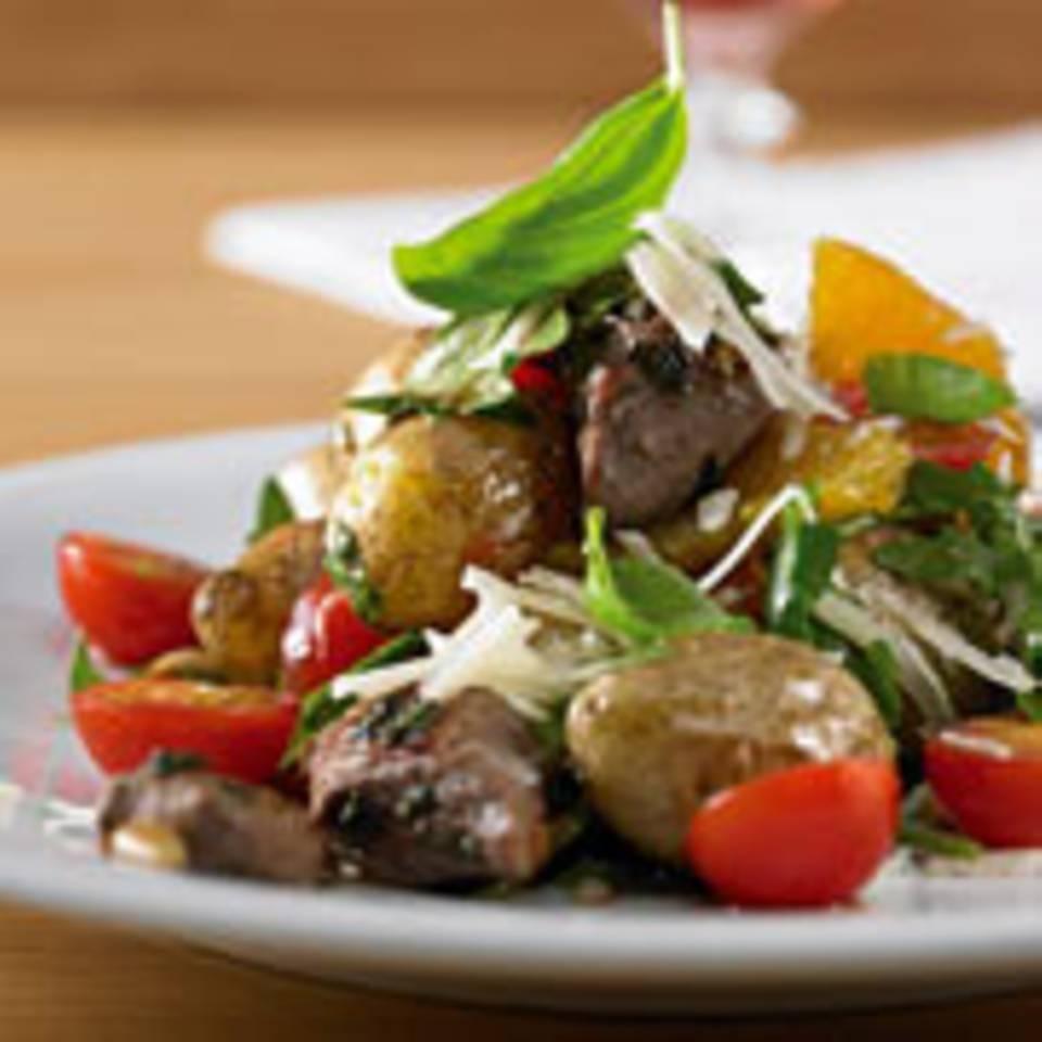 Kartoffel-Rucolasalat mit Lammfilets
