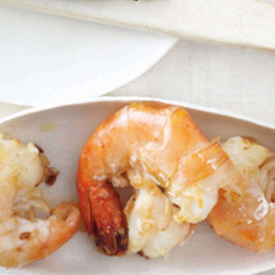 Salatmix mit Knobi-Garnelen-Topping