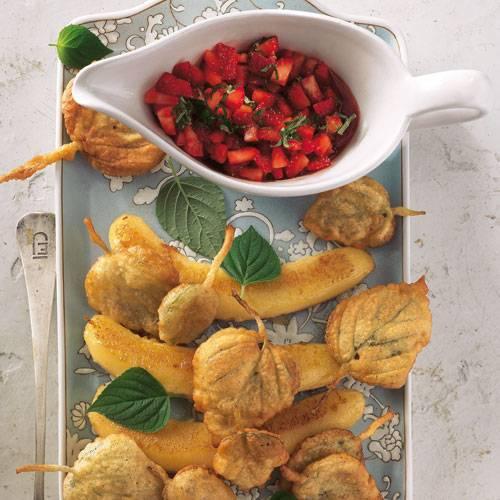 Frittierter-Honigmelonen-Salbei-mit-gebackenen-Bananen-und-Erdbeer-Salsa.jpg