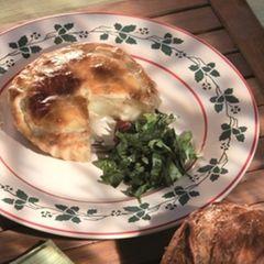 Pastete mit Sauerampfersalat
