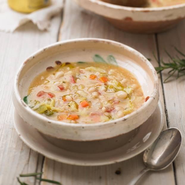 Weiße Bohnensuppe
