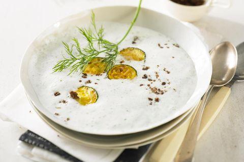 buttermilchsuppe-mit-zucchini.jpg