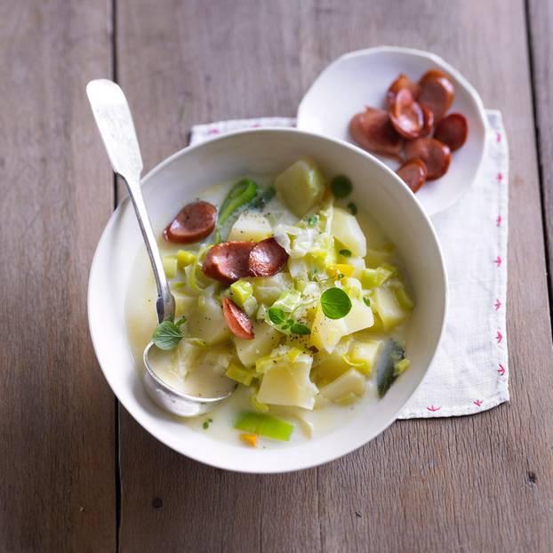 Kartoffel-Eintopf mit Würstchen