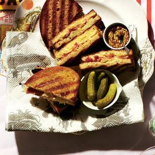 reubens-sandwich-500.jpg