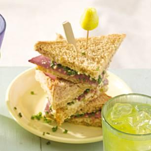 sandwich-ecken-mit-selleriesalat-und-pastrami-500.jpg