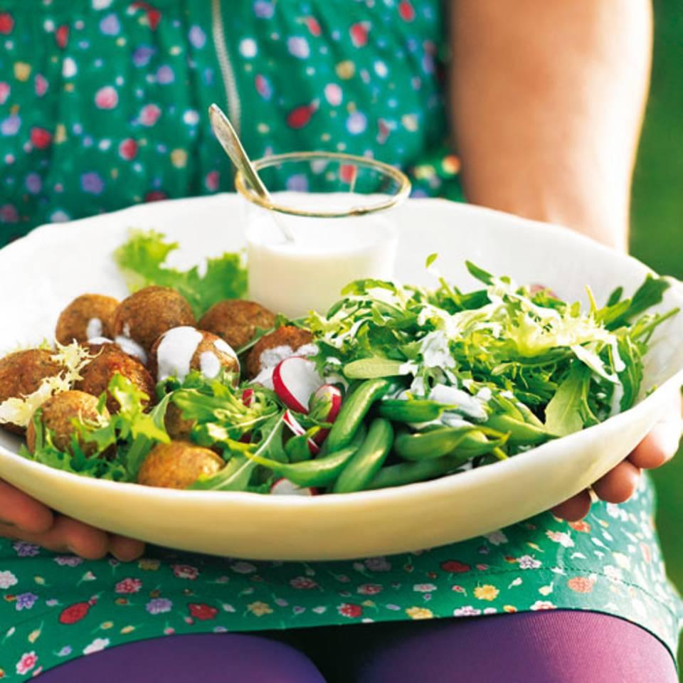 raukesalat-mit-falafel-und-aioli-500.jpg