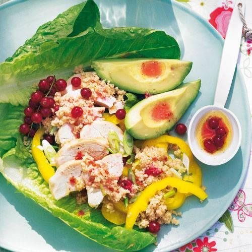 haenchen-avocado-salat-mit-cassis-vinaigrette-500.jpg