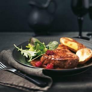 himbeer-bratensosse-zu-gegrillten-steaks.jpg