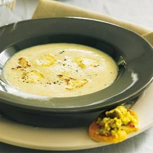 blumenkohlsuppe-und-oliven-crostini-500.jpg