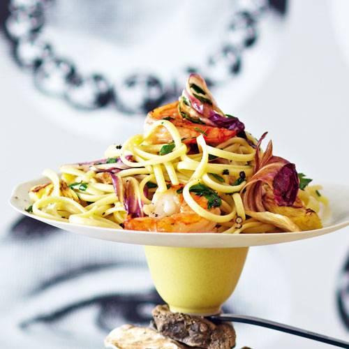 pasta-capricciosa-mit-artischocken-radicchio-und-garnelen.jpg