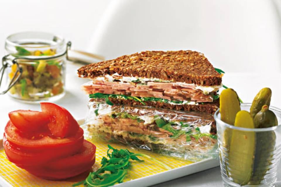 schwarzbrot-sandwich.jpg