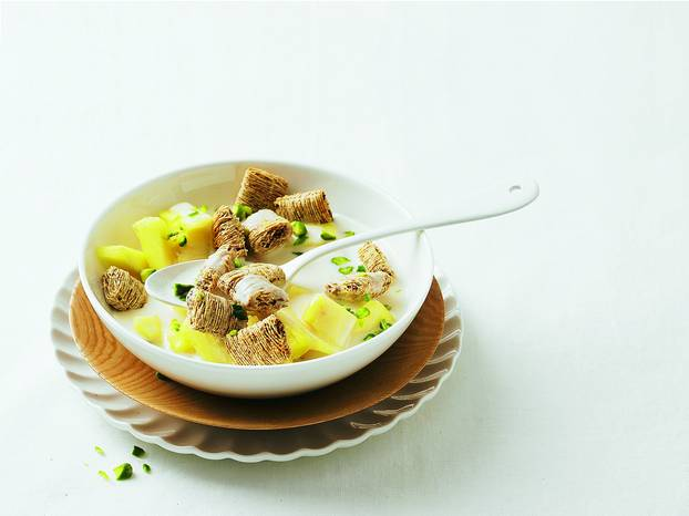 Ananas-Bowl_mit_Toppas_Traube.jpg