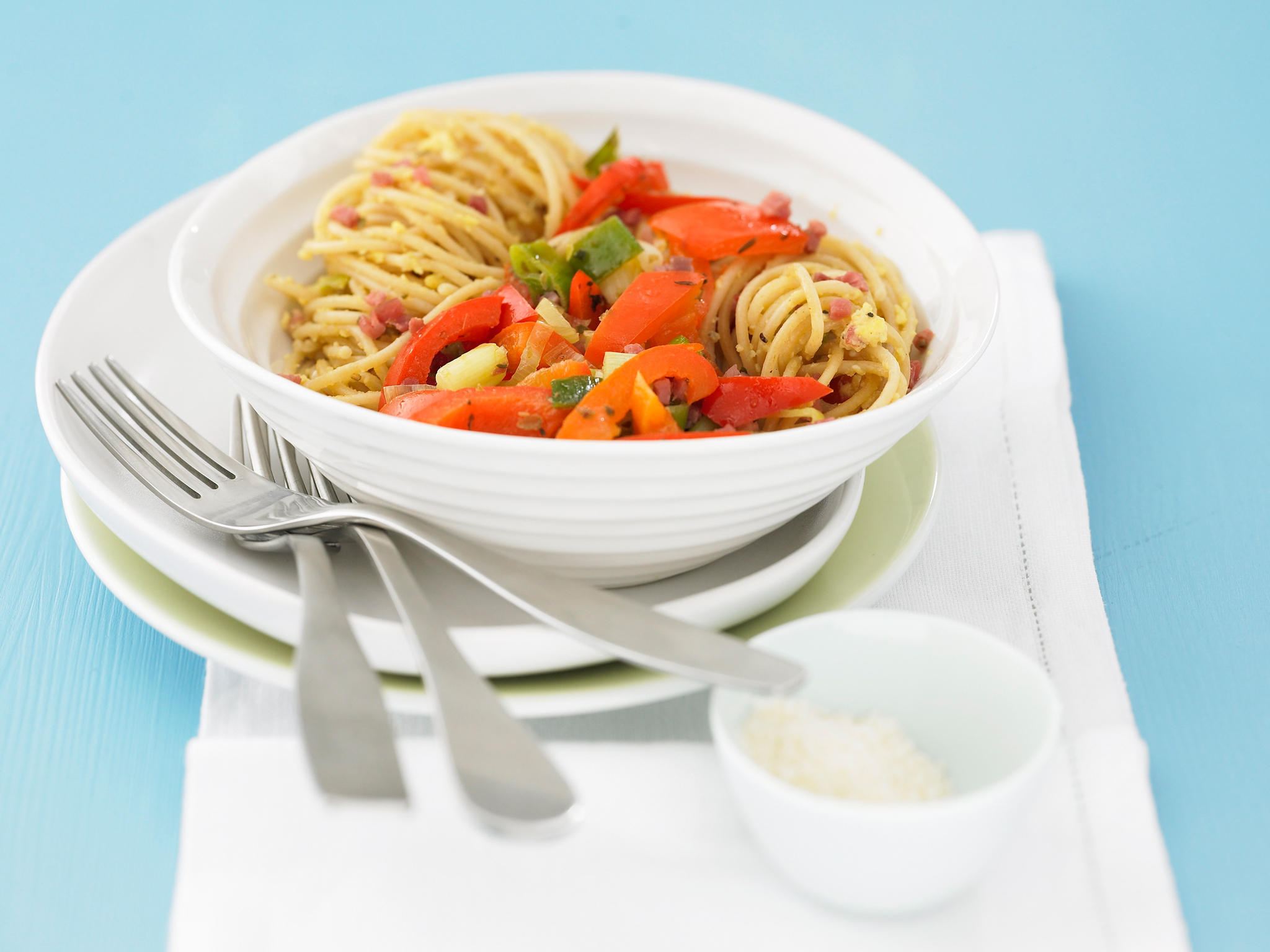 Spaghetti_Carbonara_mit_Paprikaspeck.jpg