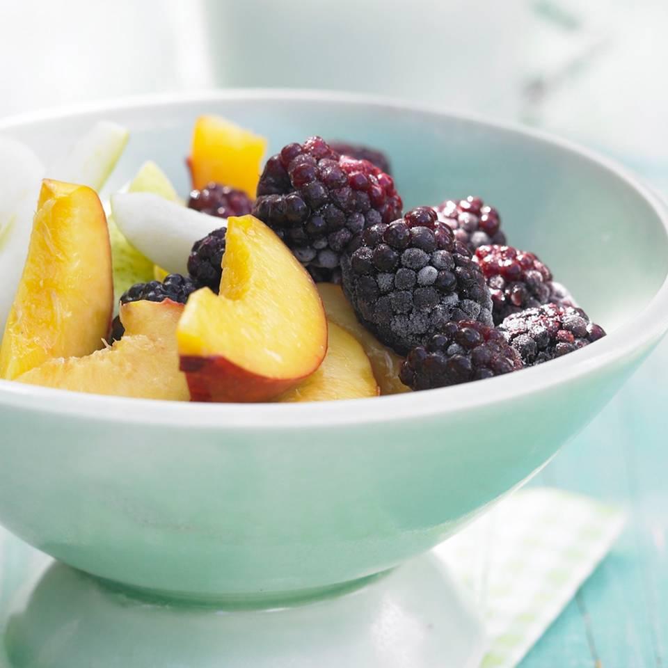 Früchte-Bowl_mit_Nusskefir.jpg