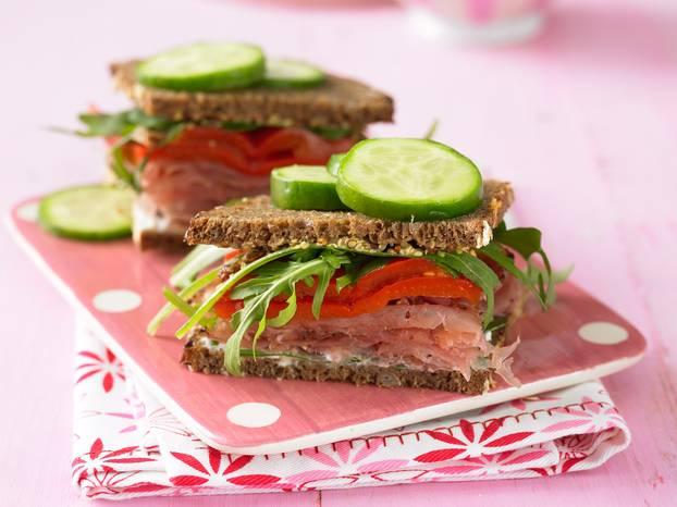 Paprika-Vollkorn-Sandwich.jpg
