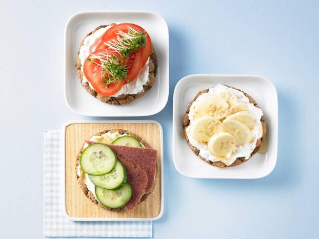 Tomaten-Knäcke_Bananen-Sesam-Knäcke_Corned-Beef-Knäcke.jpg