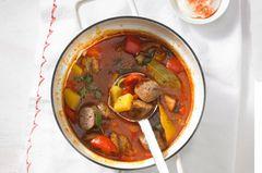 Wurst-Gulasch mit Paprika