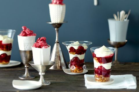 Himbeer-Blitzeis-Trifle