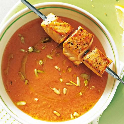 melonen-gazpacho-mit-lachs.jpg