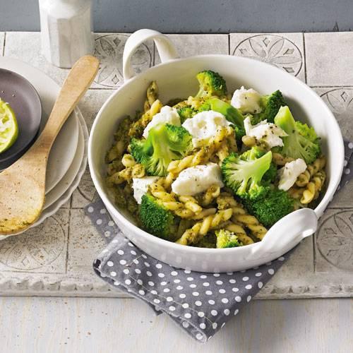 gemelli-mit-brokkoli-und-mozzarella-fs.jpg