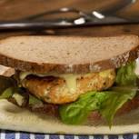 lachsburger-mit-sweet-chili-majonnaise-fs.jpg