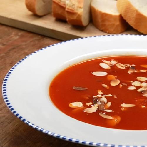 Tomatensuppe Brigitte tomatensuppe mit mandelblättchen brigitte de
