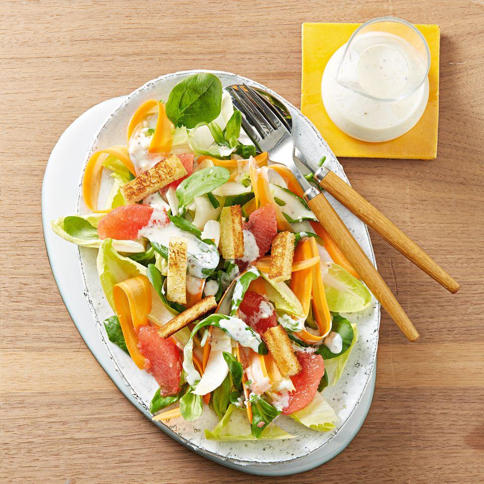 Chicorée-Grapefruit-Salat mit Crôutons