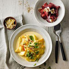 Kürbis-Curry auf einem Teller