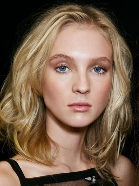 Frisuren Für Eckige Gesichter Die Schönsten Schnitte Und Besten