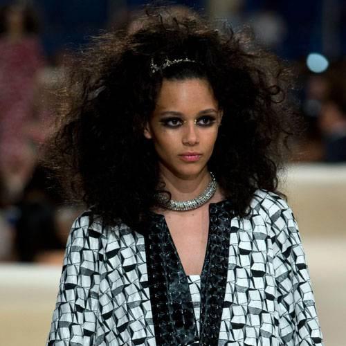 Frisuren für dicke Haare