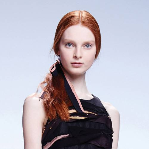 Styling-Ideen & Tipps: Frisuren mit Mittelscheitel