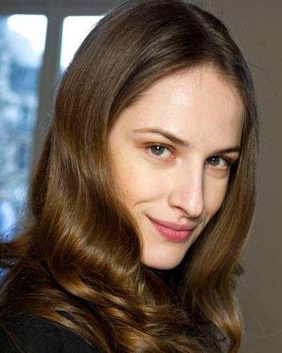 Schnitte & Styling: Schnitte & Styling: Frisuren für ein langes Gesicht
