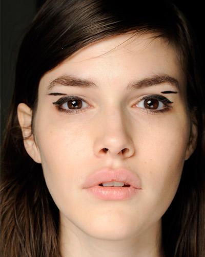 Herbst-Make-up-Trend: Eyeliner in grafischen Formen