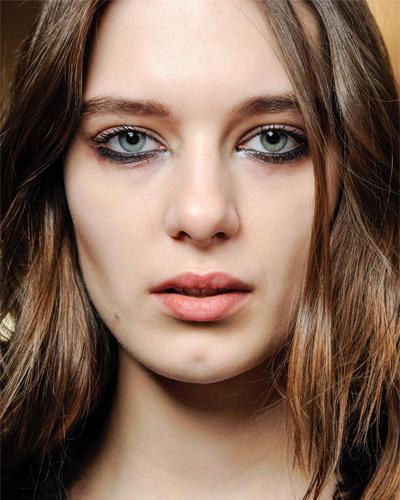 Herbst-Make-up-Trend: Kajal unter dem Auge