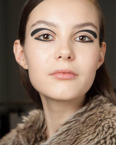 Herbst-Make-up-Trend: Eyeliner-Kunst