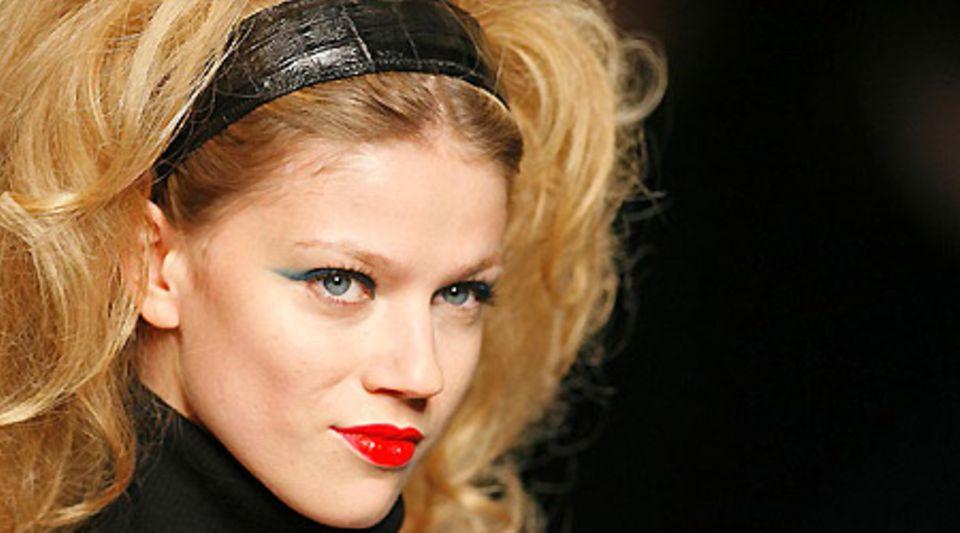 Haare hoch: Frisuren mit viel Volumen liegen im Trend