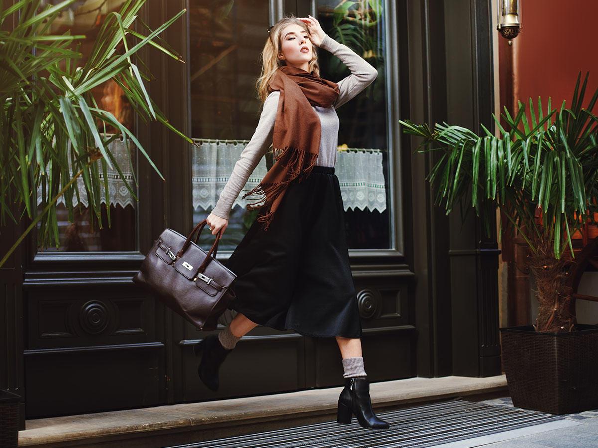 6 Tricks, um ein günstiges Outfit aufzuwerten