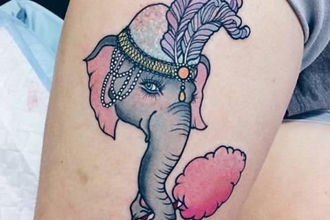 Diese coolen Glitzer-Tattoos lieben die Stars!