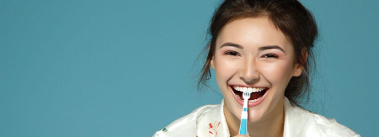 10 Dinge, die ihr beim Zähneputzen falsch machen könnt