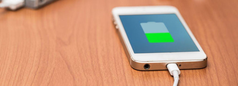 Smartphone-Akku laden: So geht's viel schneller!