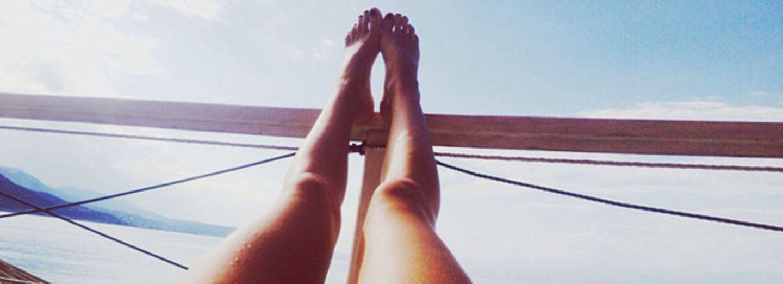 braun werden: Beine in der Sonne
