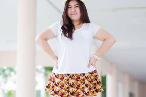 6 Regeln für Mini-Röcke bei kurvigen Mädels