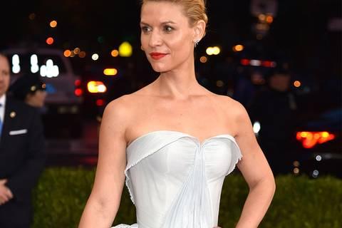 Irre! Claire Danes' Kleid leuchtet im Dunkeln!