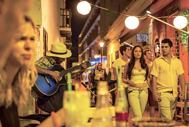 Wo kehre ich nur ein? Beim nächtlichen Bummel in Cartagena findet man viele einladende Restaurants