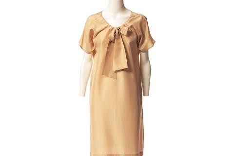 Kleid mit Ausschnittband nähen - eine Anleitung