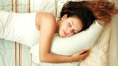 schlafmangel: zu wenig schlaf? das hat üble folgen | brigitte.de - Schlafmangel Mudigkeit Beheben Erkennen